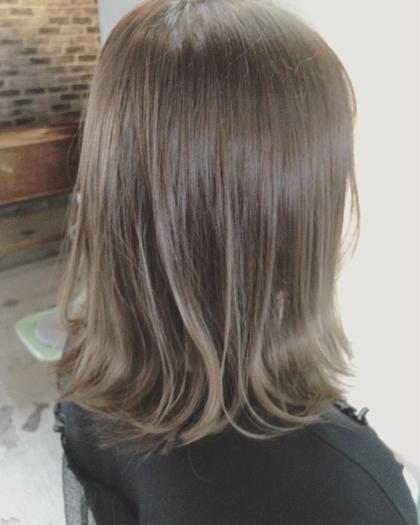 ブリーチ×グレージュ  透明感抜群⭕️ YUTAROのミディアムのヘアスタイル
