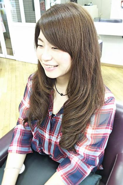 【ゆるかわパーマ】髪を前にもってきて下すことで簡単内巻きスタイルに、スタイリングの一つにいかがでしょうか。 松本平太郎美容室川越店所属・島田裕也のスタイル