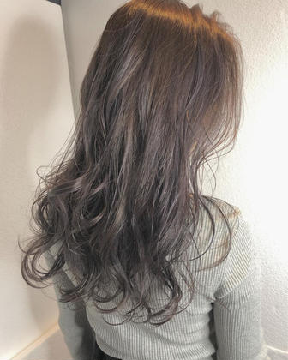 lavender greige 🌼 ・ もともと入ってるhighlightを 生かして◎ 暗髪でも透明感たっぷりのcolor♡