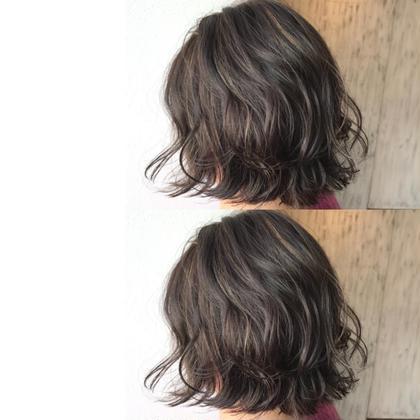 切りっぱなしボブ ✖︎ スペシャルハイライトカラー 泉佑奈のショートのヘアスタイル