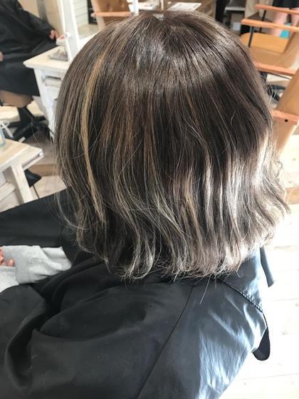 アッシュグレーじゅ creed所属・creedHINAKOのスタイル