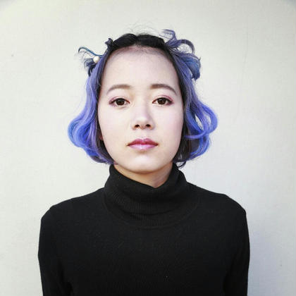 ブルーバイオレットの個性的スタイル☆ パールのピンでアレンジを☆ tranq hair design所属・イケベミホのスタイル