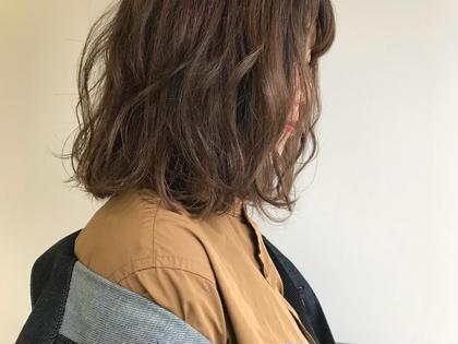 柔らかい印象のグレーベージュ系カラー!! 肌の色が白く見えて、女子度up!!  NARUMI(SOCO)のヘアカラーカタログ