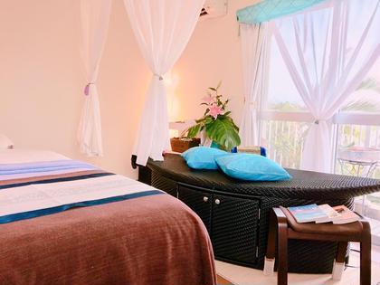 その他 ハーブの蒸気を全身に浴びる、寝ながら受けられるハマム浴は、驚くほど汗がでます。健康増進、デトックス、女性に人気です。