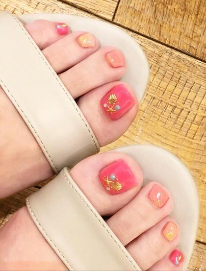 カラー ショート ネイル フットネイル♡ネオンピンクで夏っぽく♡