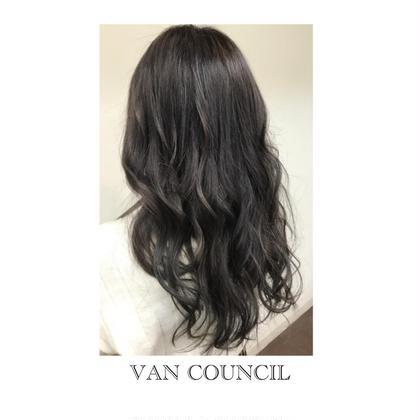 トーンダウン、パープル、グレー、アッシュ、巻き髪 VAN COUNCIL琴似店 所属・satosakuraのスタイル