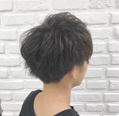 明る過ぎない自然で柔らかい質感のカラーです🌱 直毛でも動きのあるセットが出来ます✨ Ash吉祥寺店所属・小倉悠介のスタイル