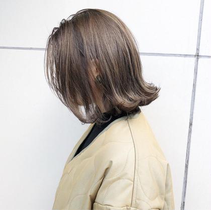 細かく入れたハイライトがポイントの、切りっぱなしボブ✨  スカスカになりすぎないように毛先には厚みを持して、しっかり毛量調整するとお洒落な雰囲気に。   CHIC(シック)表参道所属・北谷光二郎のスタイル
