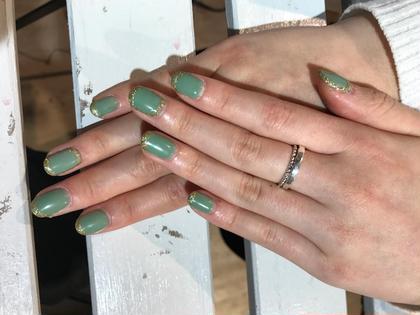 グリーン系のお色でラメを付けマットな仕上がりに。 Hair&make eida所属・村上皐太のスタイル