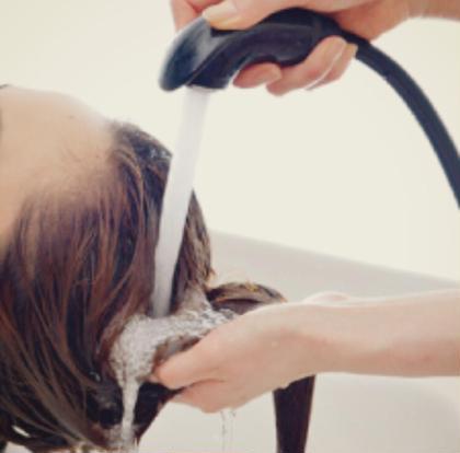 💎[汗をかくこの時期にお得!毛穴お掃除!!]💎 💎炭酸スパ➕プチトリートメント➕枝毛カット💎