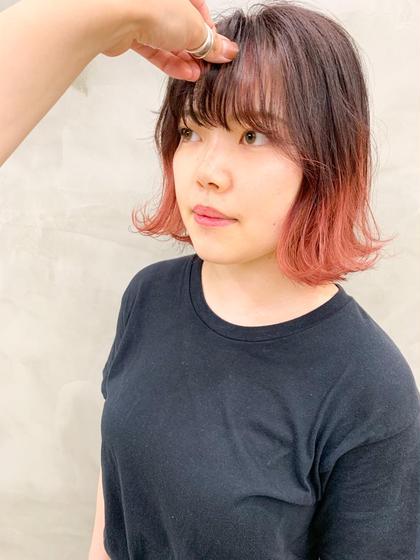 カラー ボブと相性ばつぐんのツートンカラー!外はねのスタイリングが可愛い!!  #切りっぱなしボブ#デザインカラー#ブリーチ#ダブルカラー#ピンク#コーラル