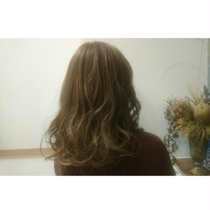 カラー セミロング ハイライト +アッシュベージュ で柔らかヘア♪