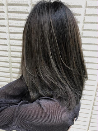 カラー ミディアム highlight balayage design  ✂︎ KHANH HOA 表参道  ℡0368045616 渋谷区神宮前4-14-6 101  cut ↠¥5.000 color ↠¥7.000〜 highlight design ↠¥8.000〜 balayage design ↠¥10.000〜 cut×color×treatment ↠¥10.000 cut×highlight×treatment ↠¥11.000 cut×balayage×treatment ↠¥13.000  ↠ https://www.instagram.com/_hide1989/