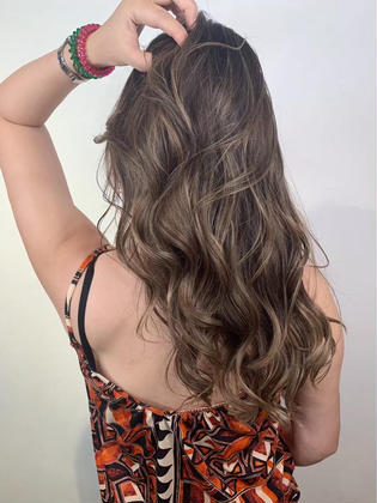 20〜30歳社会人指名NO1✨余裕な大人の美髪✨艶と透け感最高級メニュー(カット➕イルミナorアディクシー➕TOKIO)