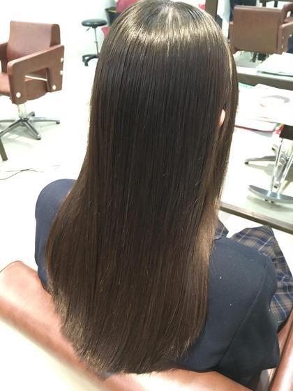 元々ストレート!?と思わせる縮毛矯正!うるおいを保ちながらクセを伸ばすので縮毛矯正をかけても髪が全然硬くなりません^^むしろ柔らかい手触りになります♡ hair design  BEER所属・ヒラマツカレンのスタイル