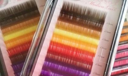 カラーも導入しましたぁ❤興味がある方は、是非お試しください(^^)v  色は、ブラウン、イエロー、オレンジ、レッド、パープル、グリーン、ブルー アイラッシュサロン所属・oyamamayumiのフォト