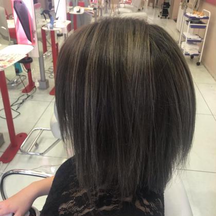 hair color ハイライトを入れてグレーっぽく仕上げました! 美容室HEART所属・齊藤しおりのスタイル