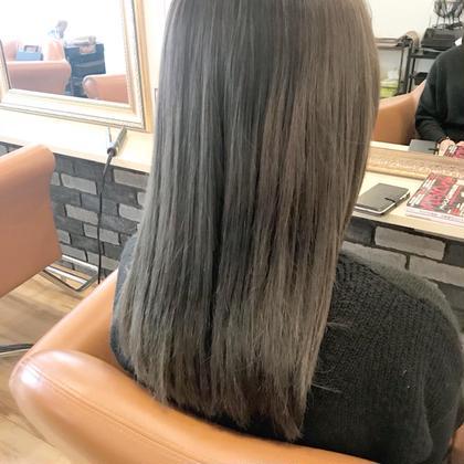 セシルヘア-山本のセミロングのヘアスタイル
