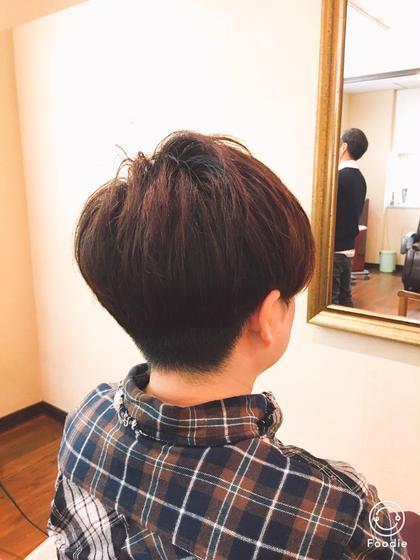 大胆にもサイド、バックを刈り上げたボーイズライクなスタイル hairGLOW所属・児嶋亮のスタイル