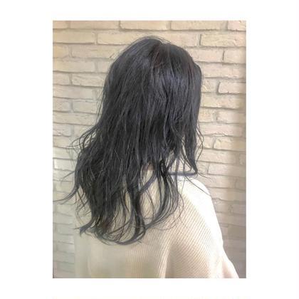 セミロング 黒髪にはしたくないけどダークなアッシュにしたい方はオススメです!暗髪ぜひお任せ下さい!