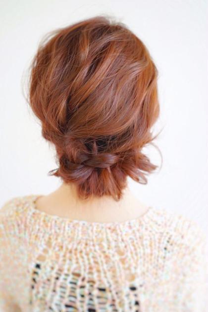 左側はフィッシュボーンも右側は三つ編みの コラボレーション! 簡単アレンジにはもってこいのヘアアレンジ! L'Aube roi所属・扇塚卓のスタイル