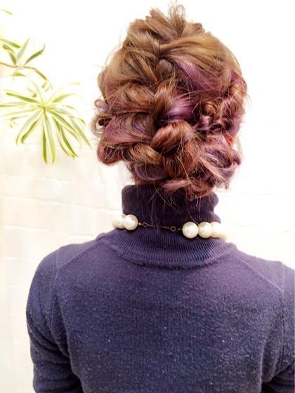 インナーカラーでカラーバターのパープルを入れてます★ 特殊カラーしてからヘアアレンジするとめっちゃ可愛い♪ Blanc.所属・石川雅人のスタイル