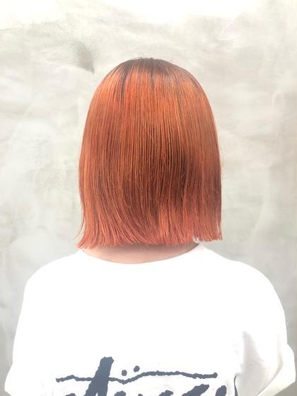 ブリーチ2回必須‼️  根元は深めのダークグレー 毛先はマニキュアミックスのソフトオレンジ  #グラデーションカラー #ケアブリーチ #ダブルカラー #ビビットカラー #派手髪