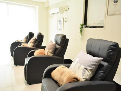 ゆったりリクライニングソファでくつろいでいただけます。 Lesherima 渋谷店 【レシェリマ】所属・Lesherima【レシェリマ】のフォト