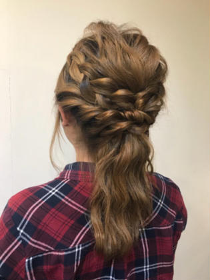 全体波ウェーブをして 編み込みをとりいれてみました! hair circle geep所属・藤野真波のスタイル
