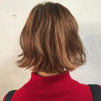 ブリーチしてハイトーンベージュに‼️ ダメージレスブリーチで髪への負担も軽減✨ 黒染めしてもこのくらいの艶やかなベージュになります Aimee所属・トップスタイリストユウのスタイル