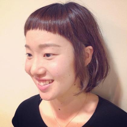 浮遊感のあるショートボブ☆  インナーカラーにグレージュ☆  前髪もラウンドで☆  ドンナ新大宮所属・瀧川秀樹のスタイル