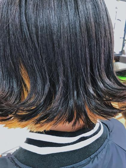 カラー ショート 切りっぱなしボブ 外ハネにして可愛らしく。 前髪はシースルーバングでオン眉に。 内側に元から入ってるインナーカラーがいい感じに出ました!