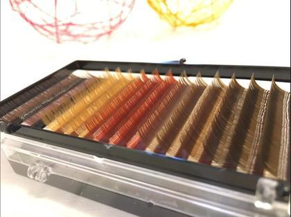 ボリュームラッシュのカラー。 色んな色味のブラウンがあります☺︎