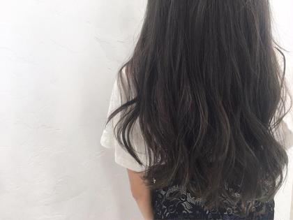 赤茶色に抜けてきた髪を、ブリーチなしで赤みを消して アッシュグレーに!!  巻くとさらに綺麗です✨ knot hair&prodacts成田公津の杜所属・鈴木翔梧のスタイル