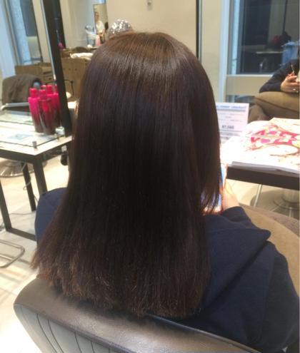 縮毛矯正した髪の毛はどうしても硬く見えやすいので柔らかく見えるようにマットアッシュカラーで全体的にツヤと柔らかさを出しました。 Neolive   GINZA所属・大矢友美のスタイル