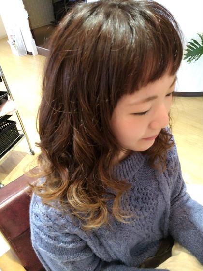 グラデーションカラー hair relaxation rire所属・出石咲子のスタイル
