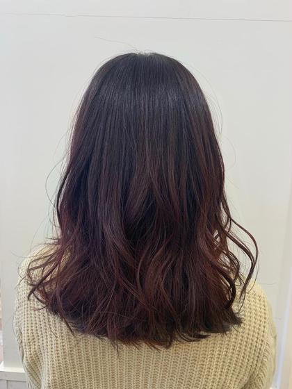 カラー ミディアム レッドカラー🍎  光で透けて柔らかい印象になります!  ※毛先はブリーチしています