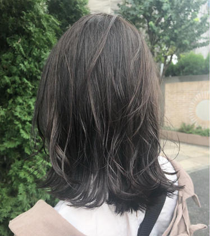イルミナカラー🌟(外.太陽光) さのさやかのセミロングのヘアスタイル