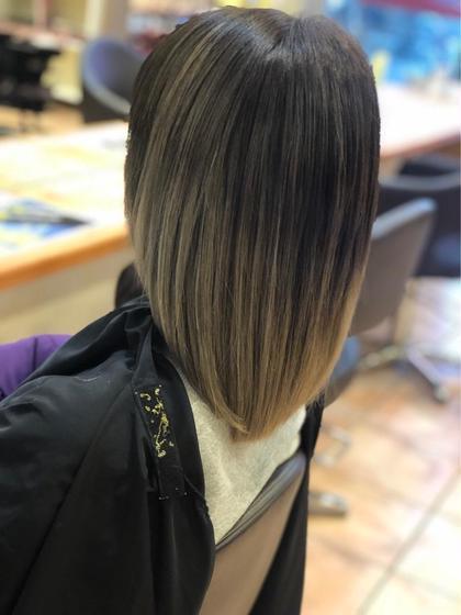ミディアム ブリーチでパサパサになってしまった髪をうる艶に🤤💓 ハイダメージはこまめな内側からの トリートメントが大切です🥺☝️✨  美髪で毎日を楽しく😳❤️✨