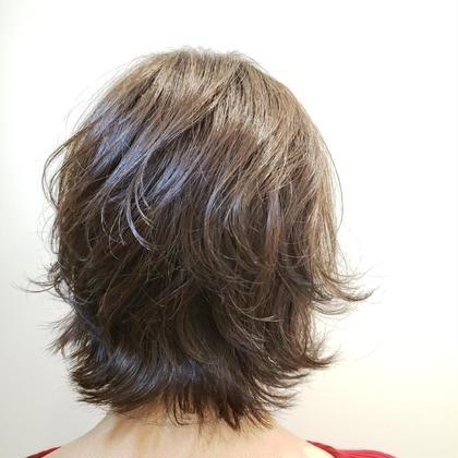 カット➕パーマ✨外はねスタイルです👍ふんわり動きがあってくせ毛の方も出来てスタイリングが楽チンで可愛いスタイルです。