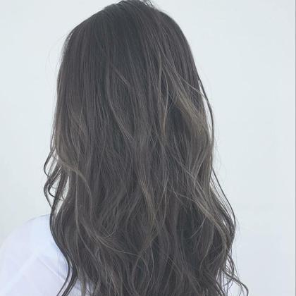 スモーキーアッシュcolor 武本 俊文 (美容歴12年)のヘアカラーカタログ