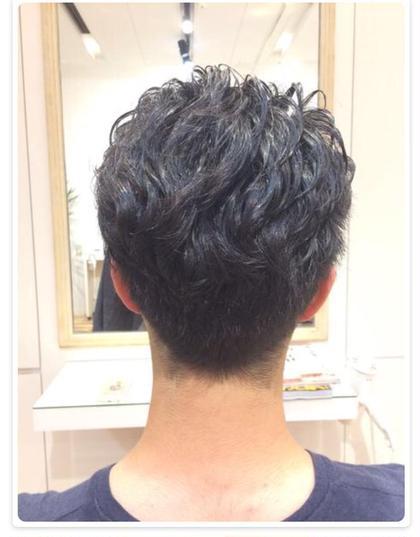 サイドとえりあしをすっきり刈り上げ、上の部分だけパーマをかけました(^ ^) SiESTA CASA所属・島崎ななえのスタイル