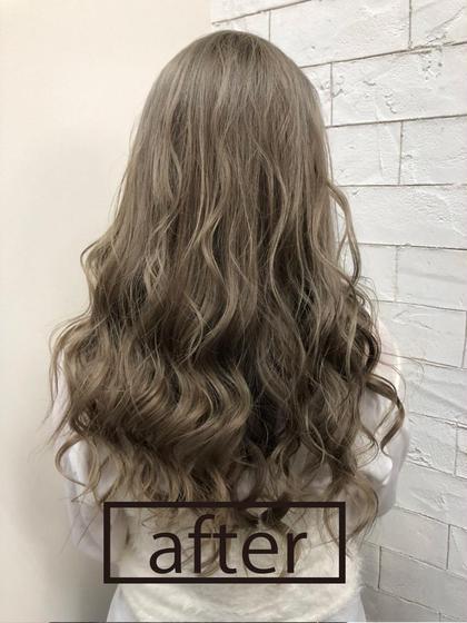 オンカラーで透明感出してみました。 clarus Hair colorのセミロングのヘアスタイル
