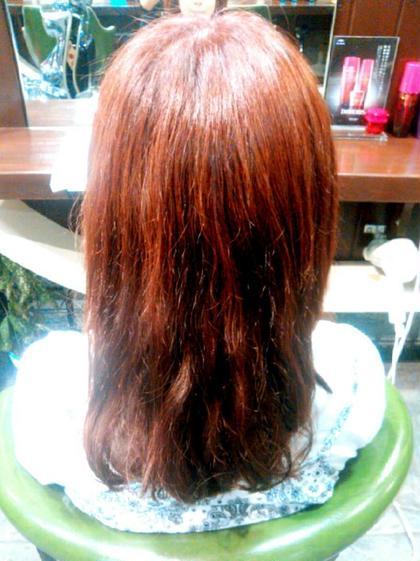 根元R-8/7 6% 毛先7ncA R-8/7 2,4% rave Actionand Hair!所属・平塚千尋のスタイル