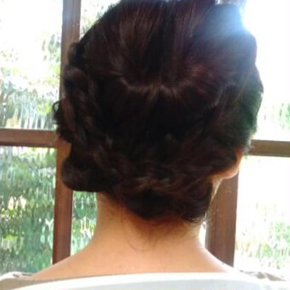 くるりんぱを使ったアレンジ 髪結い処櫟所属・瀧島まやのスタイル