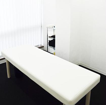 【店内②】白を基調とした清潔な店内・完全個室でリラックス☆