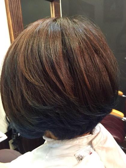 ✨ポイントカラーグラデーション 2回ブリーチできれいな 青が入りました♫ natural control所属・香川奈月子のスタイル