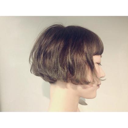 オリーブアッシュのカラーリングで柔らかく ショートボブ  CHAUSSE-PIED EN LAITON所属・KAMEINORIKOのスタイル