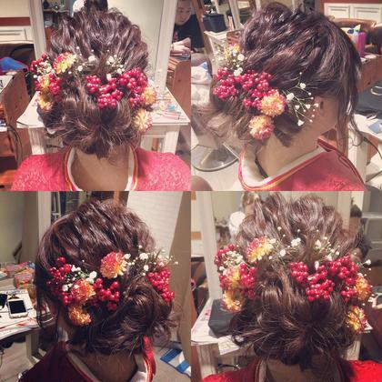 ヘアアレンジ 卒業式ヘアセット。 飾りをたくさん使ったヘア^ - ^