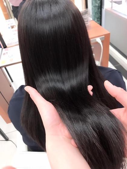 ロングストレートヘアをケラスターゼクロノロジストしました。 ツヤサラ感抜群です。 Ash立川店所属・奈良崎和弘のスタイル